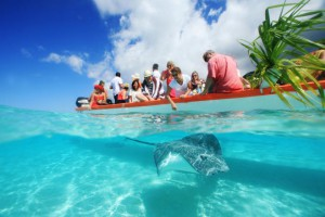 moorea-pearl-resort-tahiti-south-pacific-holiday-glass-bottom-boat-activities